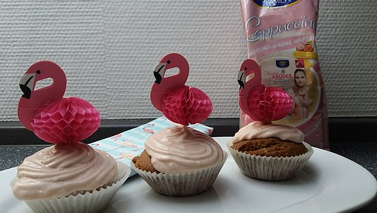 Rezept - Haselnusscrème-Waffel Cupcakes mit Himbeerfrosting